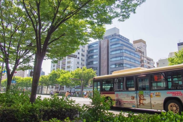 Đi lại ở Asakusa và Tokyo nói chung (2) Xe buýt và xe taxi