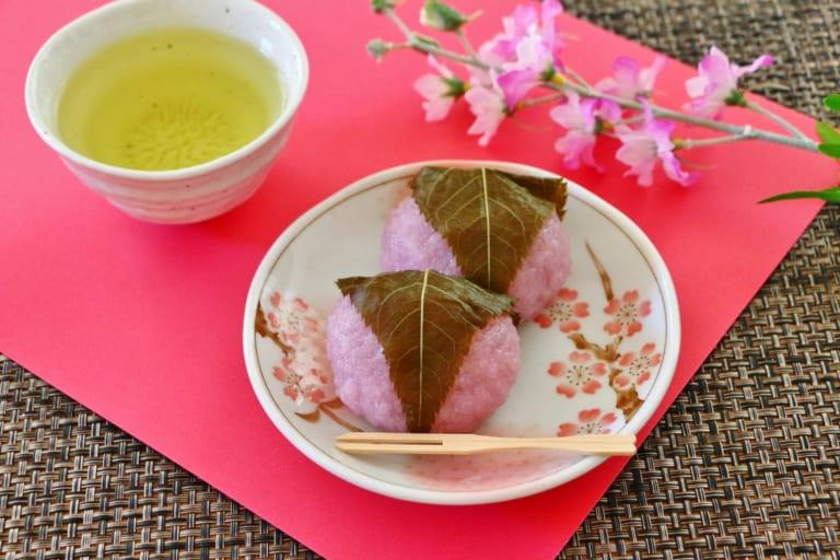 【Chuyên đề Hoa anh đào – Bài số 5 】 Sakuramochi – Loại bánh Wagashi bạn nên ăn khi hoa anh đào nở