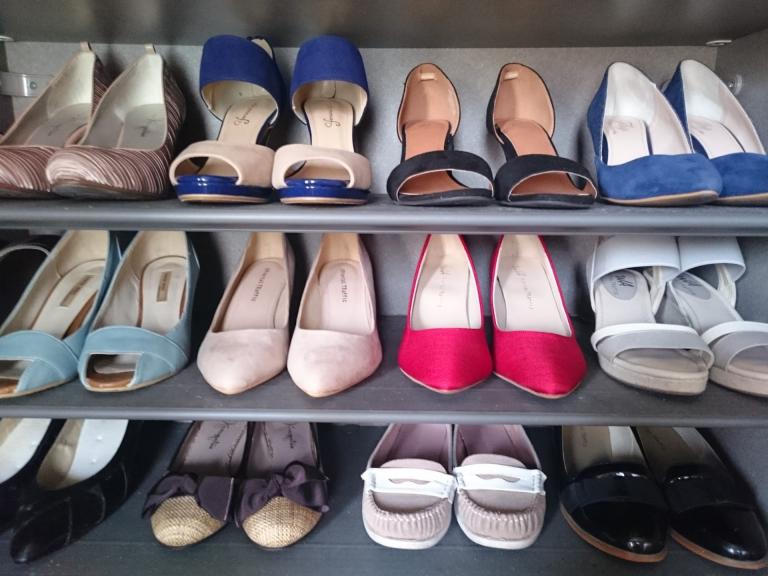 【Đồ tiện ích DAISO】 Xếp gọn giày dép với Kệ giày rút gọn