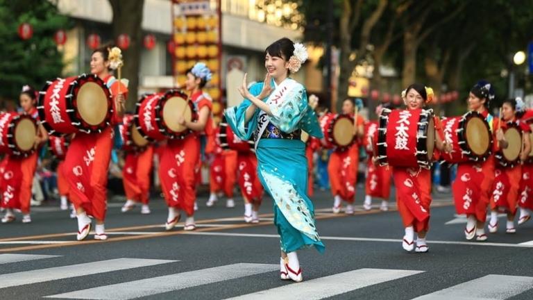 """Lễ hội Nhật Bản – """"Lễ hội vũ điệu Morioka Sansa-odori"""" đầu tháng 8 tại Iwate"""