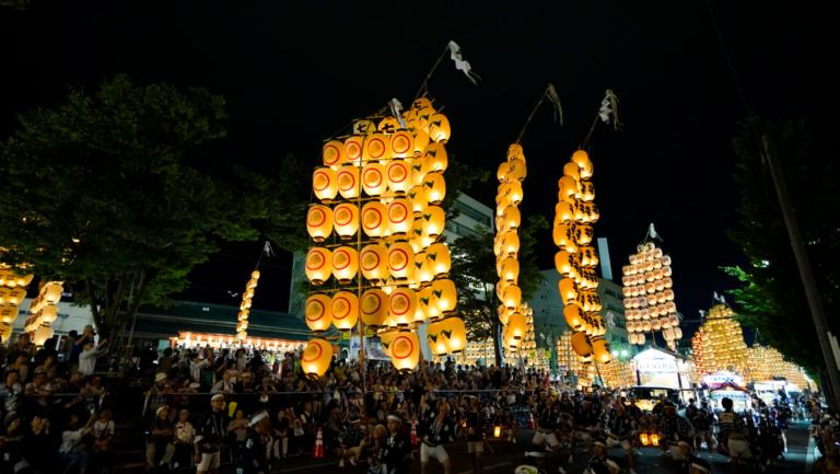"""Lễ hội Nhật Bản – """"Lễ hội cột đèn Akita Kanto"""" vào đầu tháng 8 tại tỉnh Akita"""