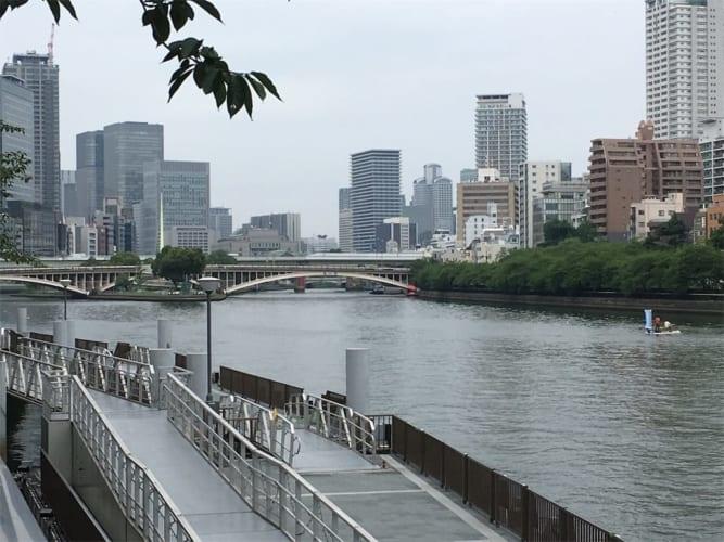 Nơi từng có Watanabenotsu. Nay trở thành con đường của các trung tâm hành chính lớn nhất Osaka.